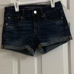 american eagle mid rise shortie shorts